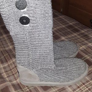 Nice UGG Sweater Boots Grey Size 7